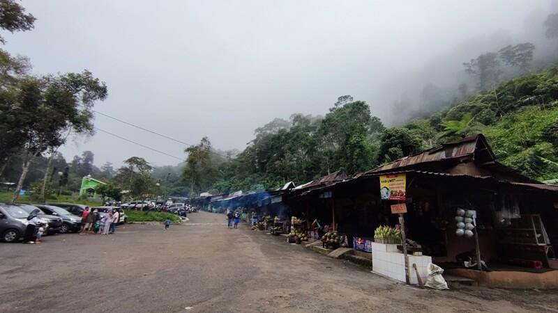 Area Parkir Pondok Halimun Sukabumi