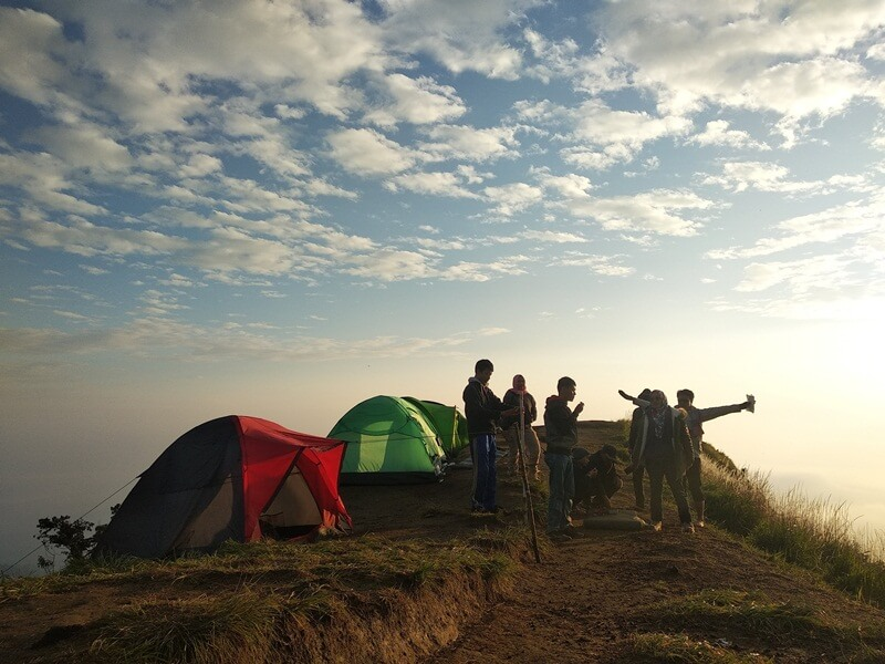 Camping Di Puncak Bukit Sikendil