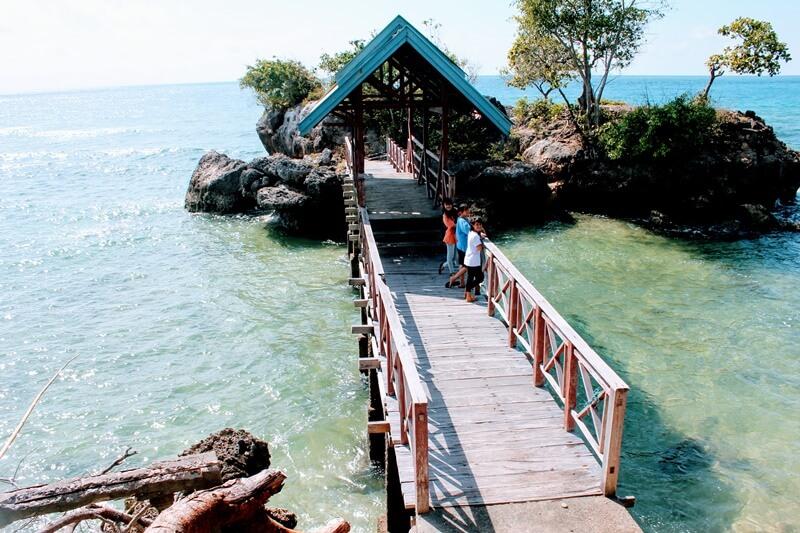 Pulau Karang Kecil Pantai Ujung Tiro