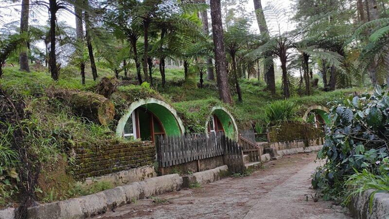 Rumah Hobits Di Pango Pango