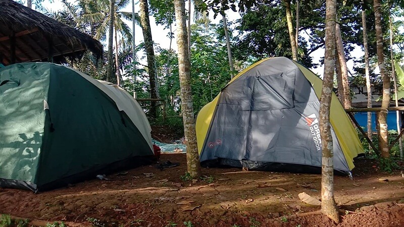 Camping Ground Di Puncak Bangku