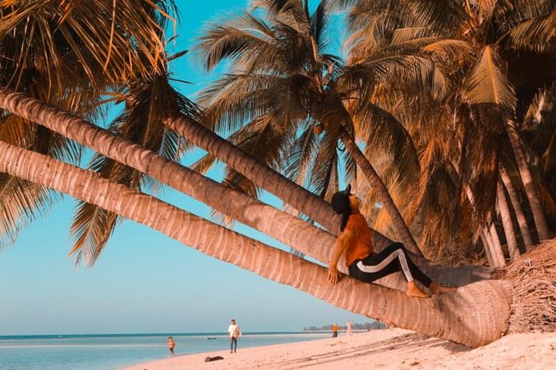 Indahnya Pantai Walaikiri
