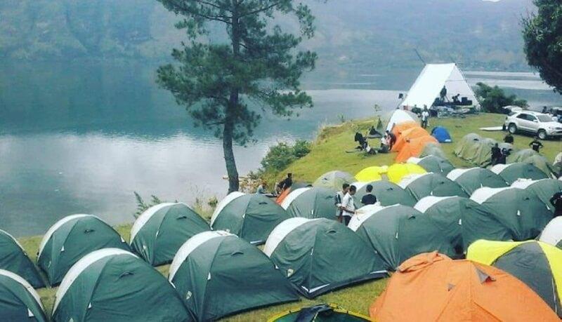 Kegiatan 100 Tenda Di Area Danau Lut Tawar