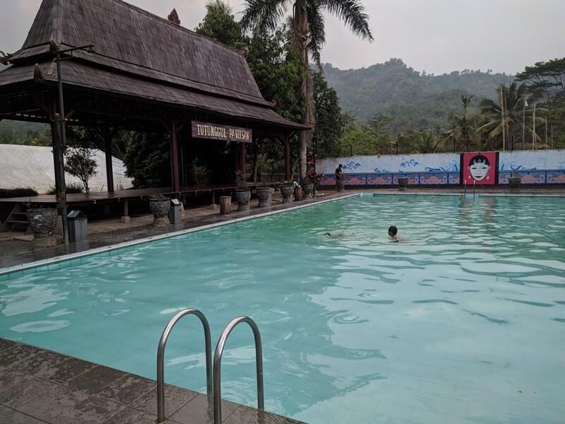 Kolam Di Cikundul Sukabumi