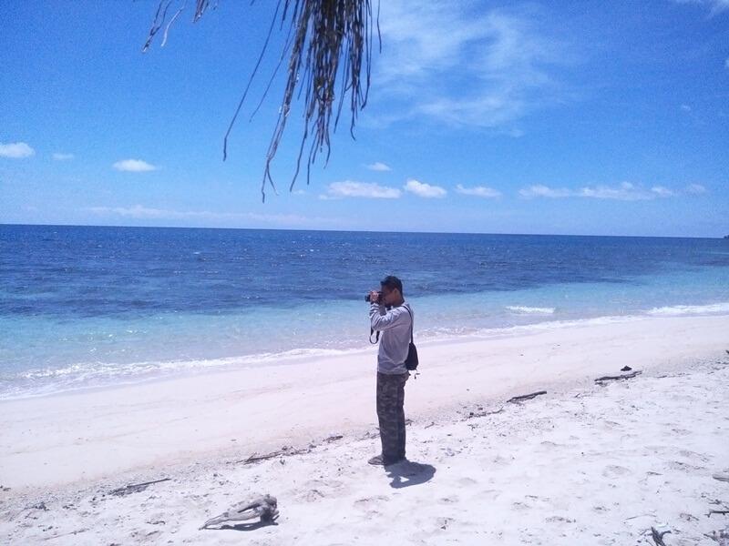 Mengabadikan Indahnya Pantai Puru Kambera