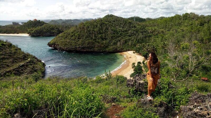 Mengabadikan Keindahan Pantai Bercak