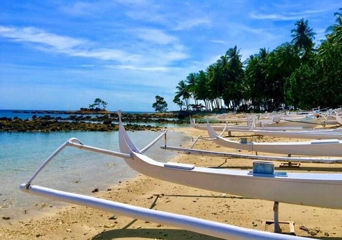 Perahu Sadeq Nelayan di Pantai Batu Taka Urung.