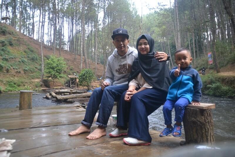 Berfoto Bersama Keluarga Tercinta