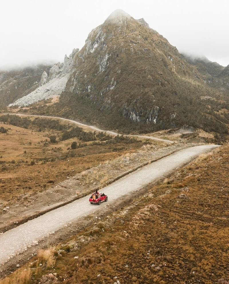 Jalan Menuju Taman Nasional Lorentz