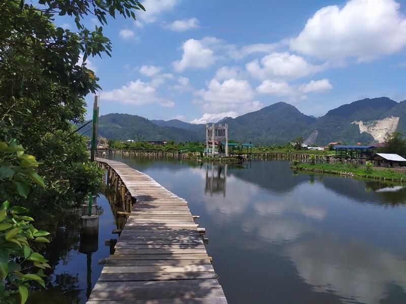 Jembatan Yang Saling Terhubung