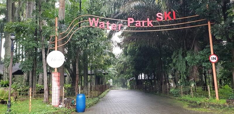 Gerbang Menuju Waterpark Ski