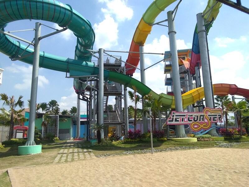 Menguji Adrenalin Di Jet Coaster Slide
