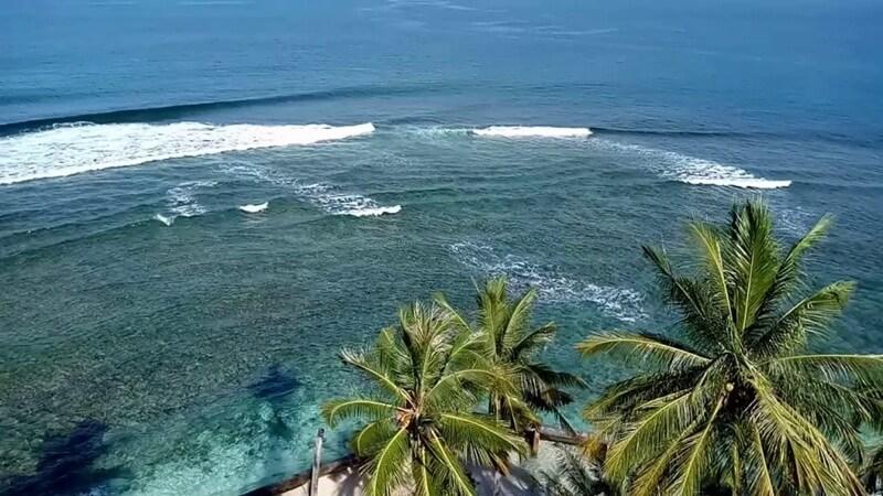 Pemandangan dari Atas Mercusuar Pulau Kasiak