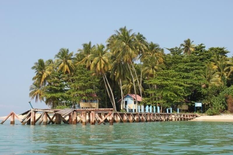 Pulau Kasiak Sensasi Pulau Milik Sendiri