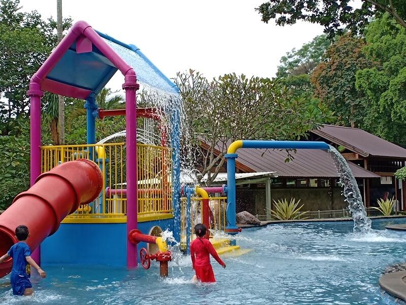 Ragam Wahana Di Taman Dayu Waterpark