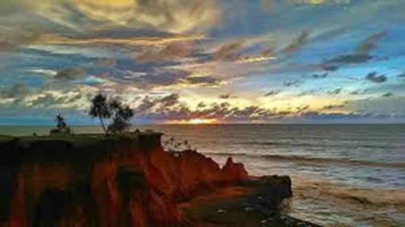 Sunset Di Pantai Padang Betuah