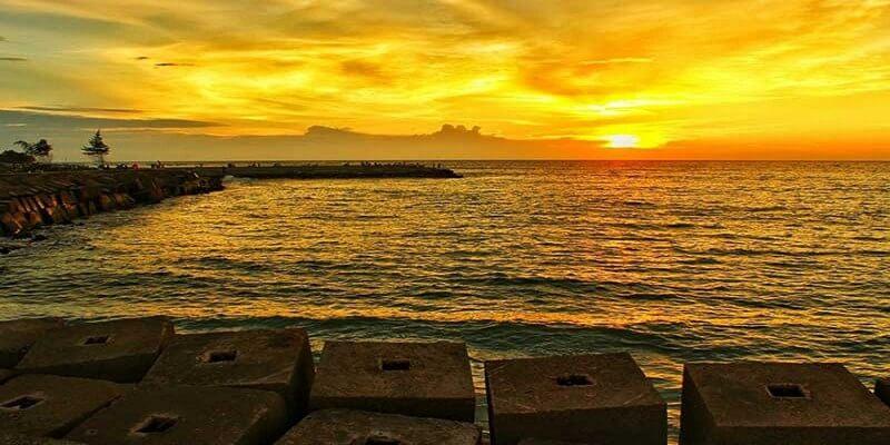 Sunset Di Pantai Tapak Paderi