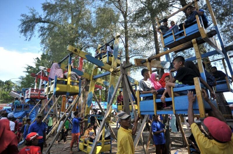 Wahana Permainan Anak Di Pantai Gandoriah