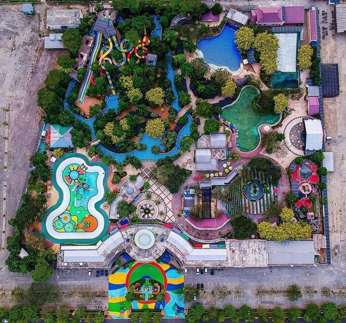 Dengan beragam keseruan yang ditawarkan, tentu Transera Waterpark bisa menjadi pilihan yang tepat untuk menghabiskan momen liburan akhir pekan.