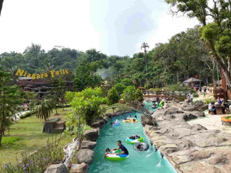Amazon River di Santasea Waterpark Sukabumi