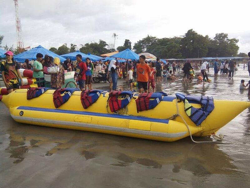 Banana Boat Di Pantai Jakat