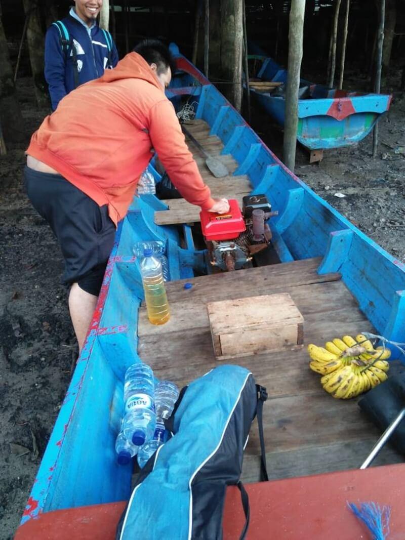Boat Untuk Memancing Di Pantai Kuala Parek