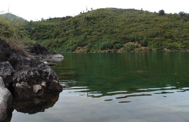 Danau Sunyi Karena Airnya Yang Tenang