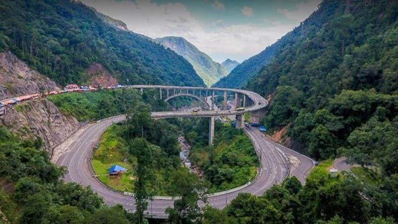 Keindahan Alam Jembatan Kelok Sembilan