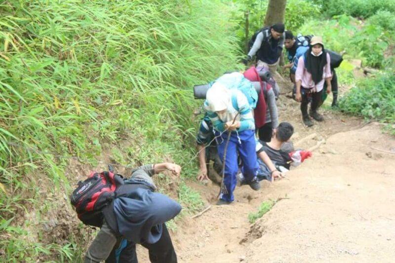 Keseruan Pendakian