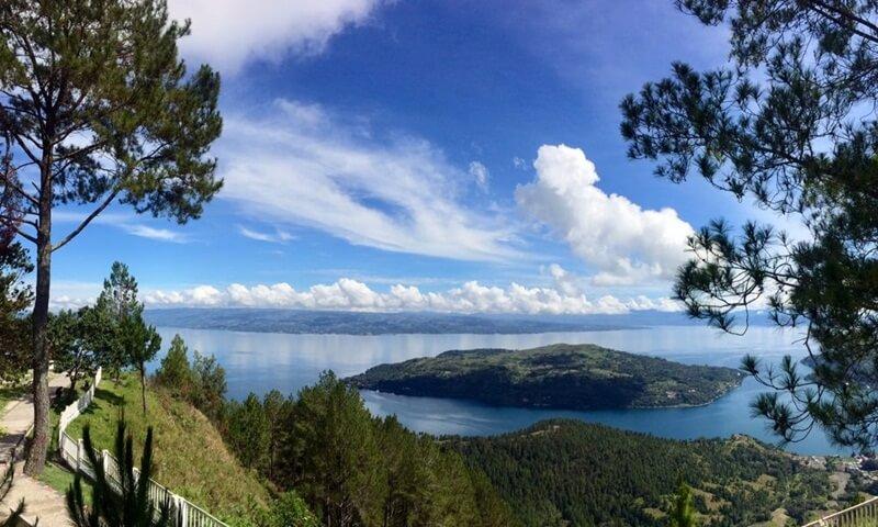 Pemandangan Danau Toba Di Atas Sipinsur