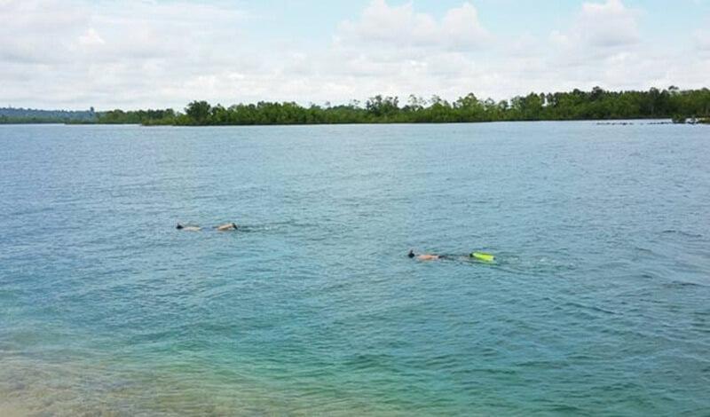 Snorkeling Di Pantai Labuhan Bakti