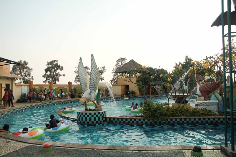 Wahana Marcopolo Waterpark Serpong