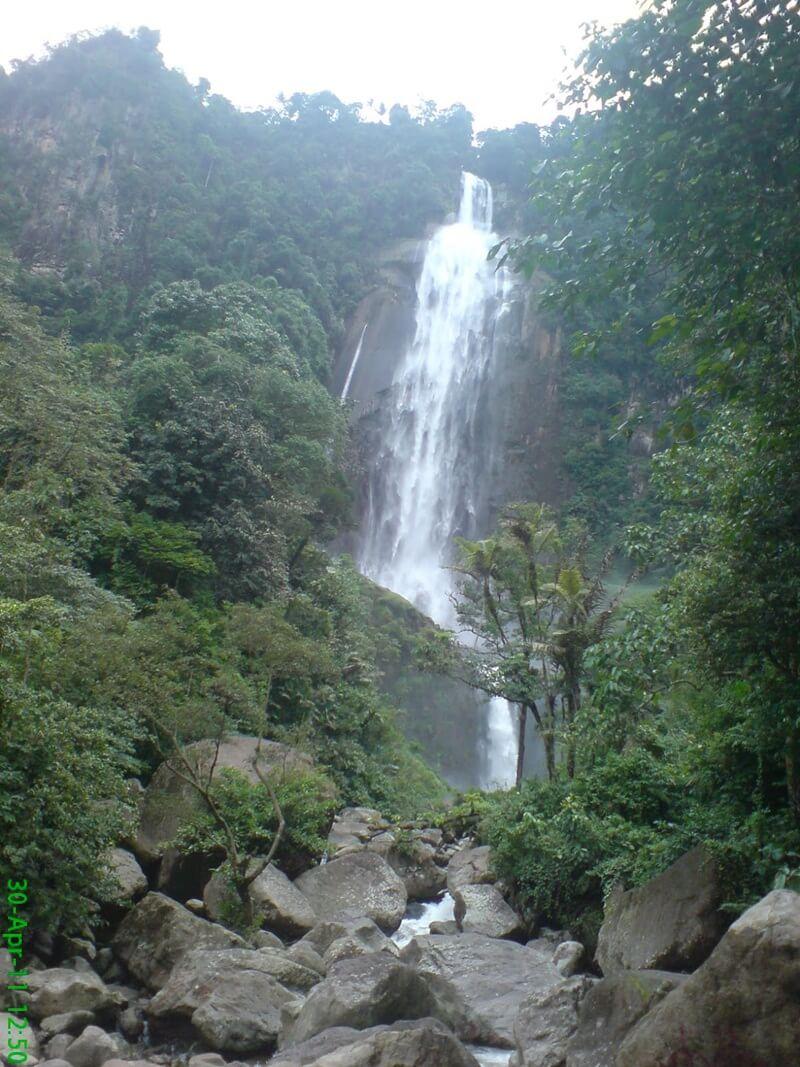 Air Terjun Ponot Memiliki Ketinggian 250 meter