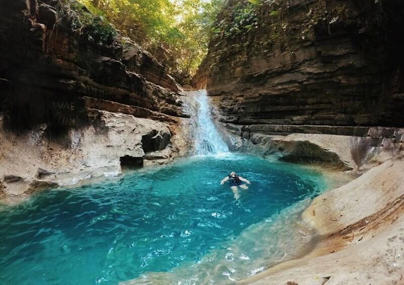 Berenang di Indahnya Kolam