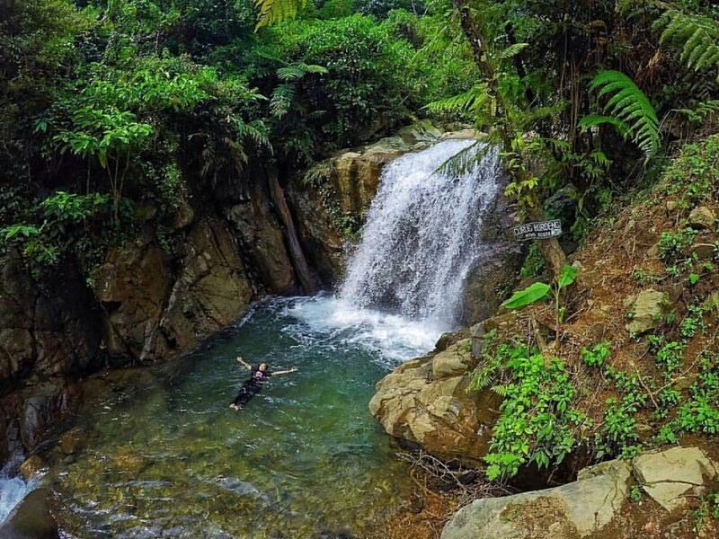 Berenang di Kolam Alami Curug Hordeng