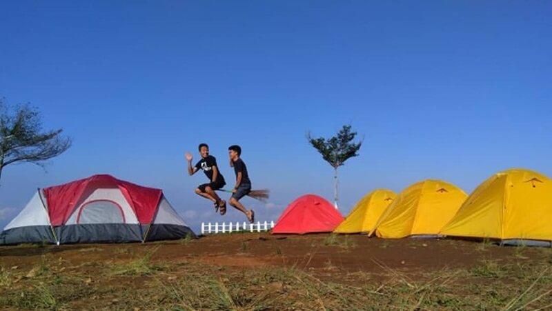 Camping Ground Sekitar Curug Cipendok