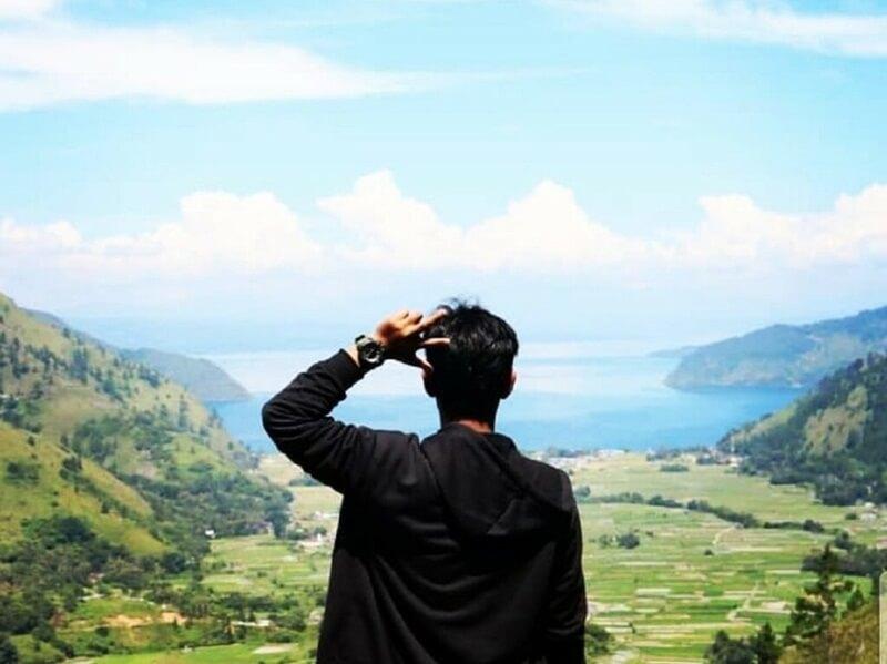 Pemandangan Danau Toba Di Air Terjun Janji