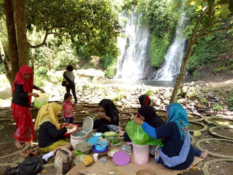 Piknik Bersama Keluarga