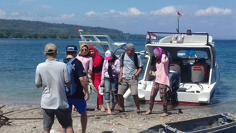 Sewa Speed Boat Ke Pulau Moyo