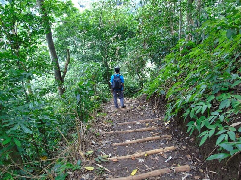 Tracking Menuju Coban Selo Lapis Masih Berbentuk Tanah
