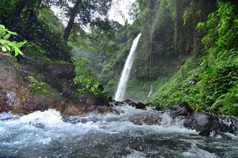 Alam Sekitar Air Terjun Lider