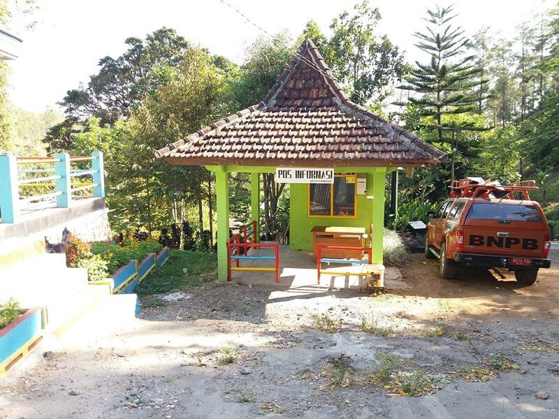 Area Parkir Air Terjun Roro Kuning