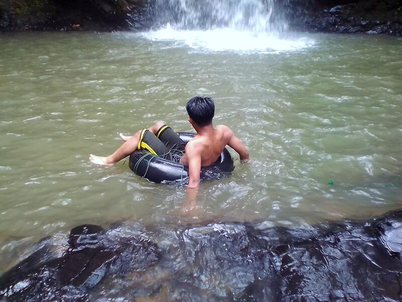Berenang Di Kolam Curug Ciangin