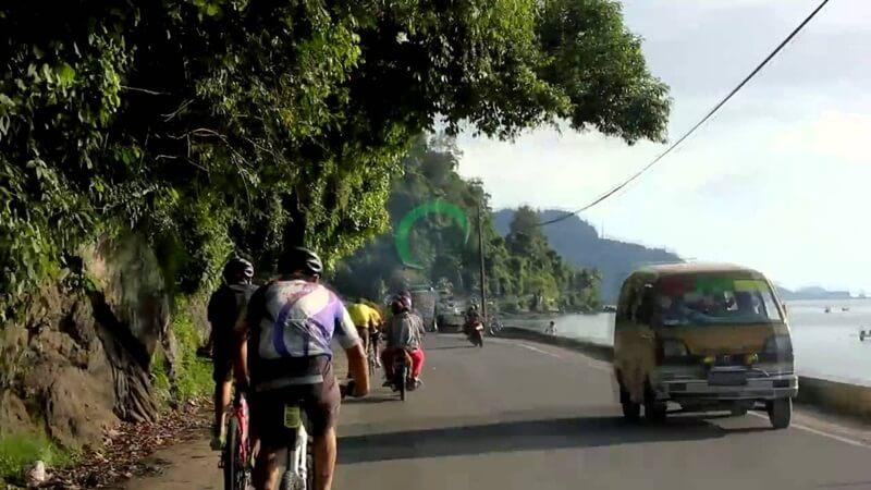 Jalan Dari Padang Menuju Air Terjun Lubuk Hitam