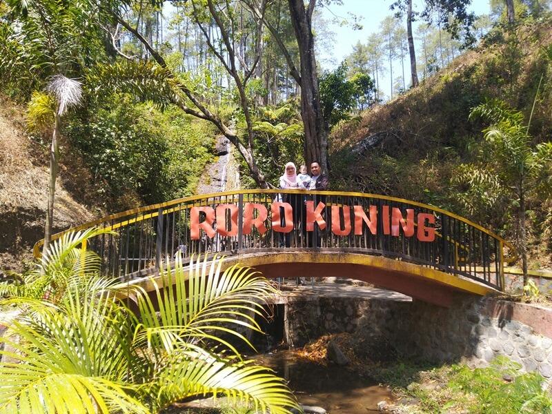 Jembatan Air Terjun Roro Kuning