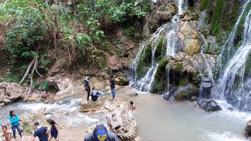 Kolam Air Terjun Mauhalek