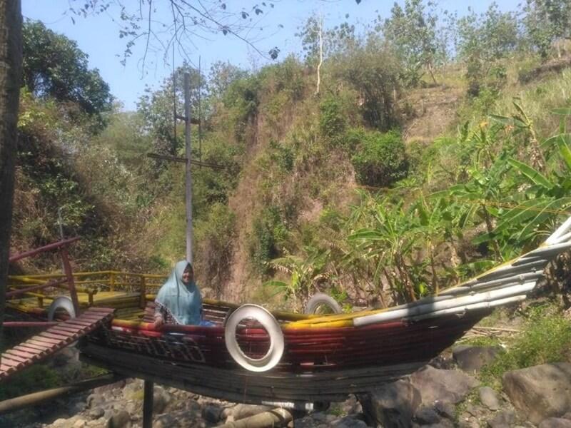 Spot Foto Berupa Perahu