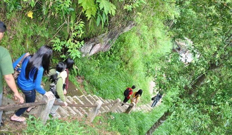 Trekking Menuju Air Terjun Kali Pancur