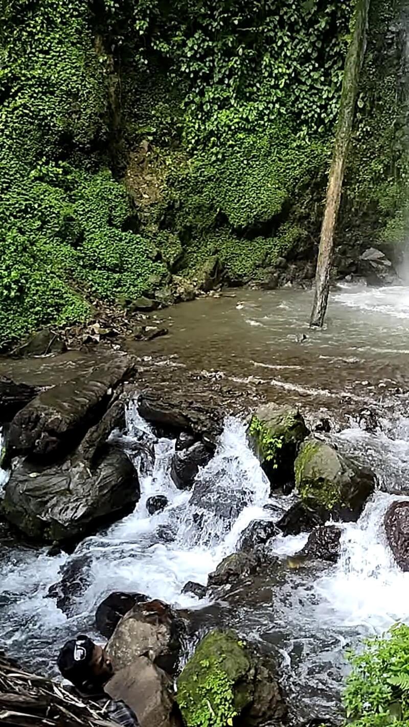 View Sekitar Air Terjun Batu Lapis