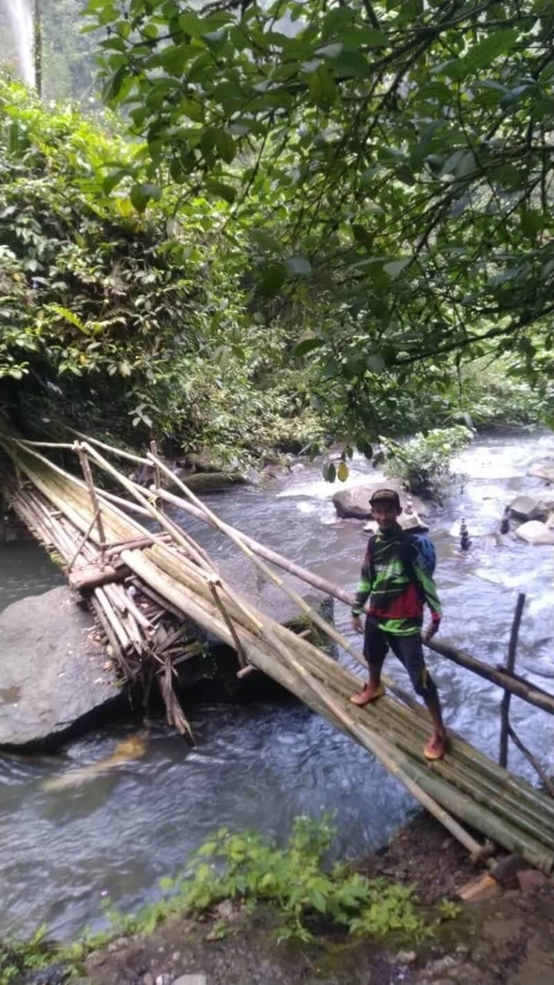 Jembatan Sederhana Yang Harus Dilewati